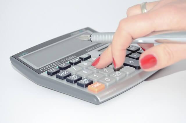 calculator-428294_640-1